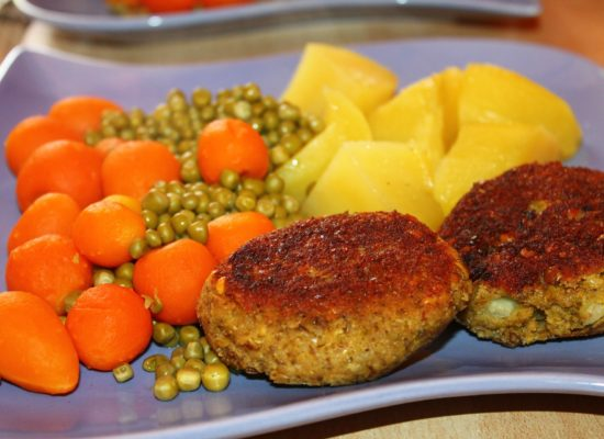 meatballs-lentils-706334_1920